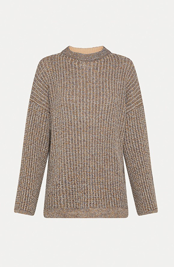 Pullover mit  Öffnung auf der Rückseite